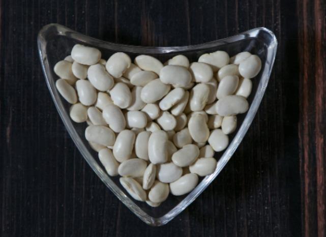 Large white kidney beans  - white kidney beans large/medium size