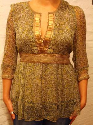 Plus Size Dresses & Blouses Manufacturers, India - Exporter | Low Quantities Accepted | Evening Wear