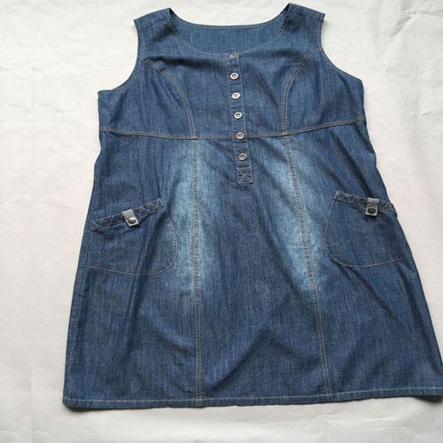 Stonewashed blue denim dress -