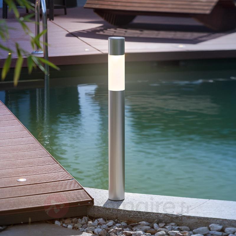 Luminaire solaire LED moderne Pole Light - Lampes solaires décoratives