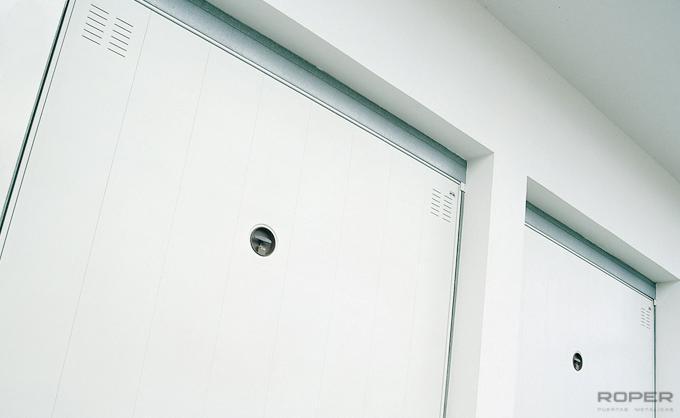 Puerta de Garaje Basculante Residencial -