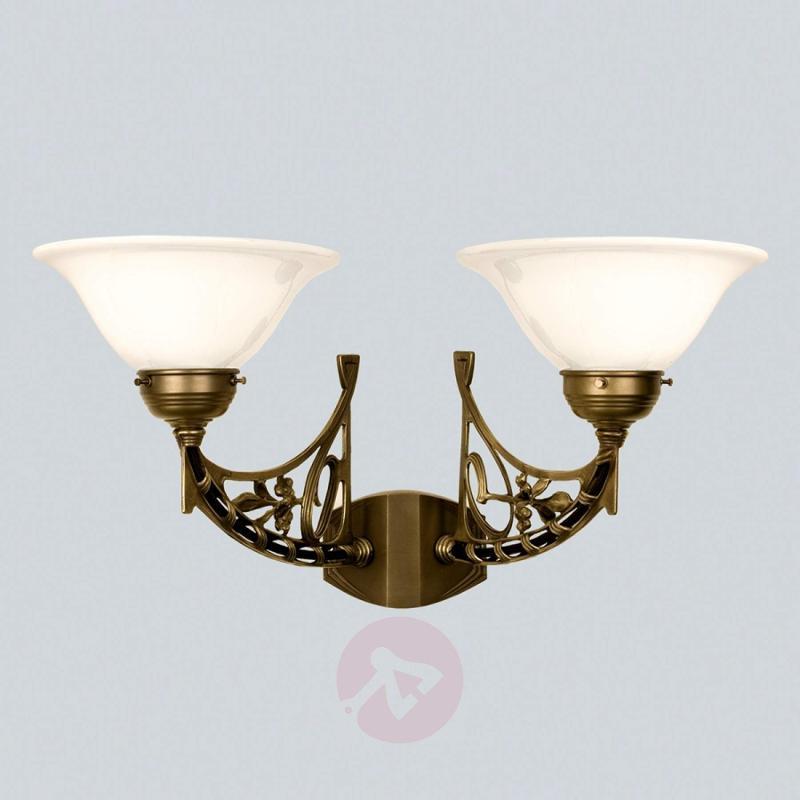 KARL two-bulb wall light made of brass - design-hotel-lighting