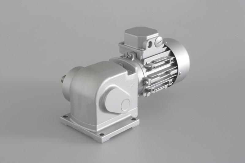 SN13 - Two-stage gear drive with solid shaft