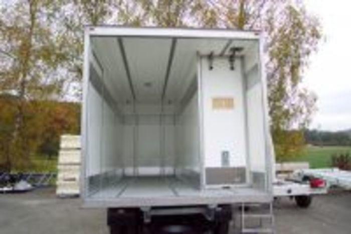 Kühlfahrzeuge Für Den Effizienten Transport Von Frisch-fleisch, Fleisch - null