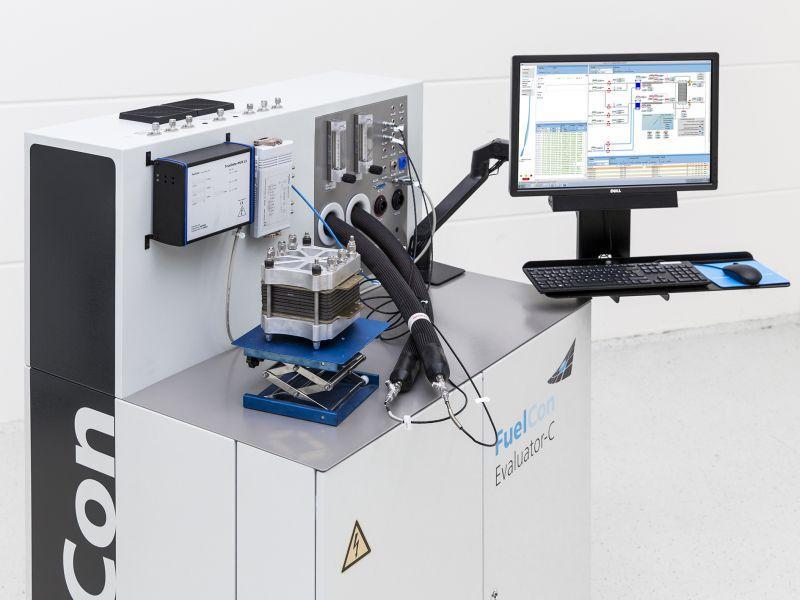 Einzelzellenprüfstand PEM-Brennstoffzelle bis 200 W - Prüfstand für das Testen von PEM-Komponenten sowie Einzelzellen bis 200 W