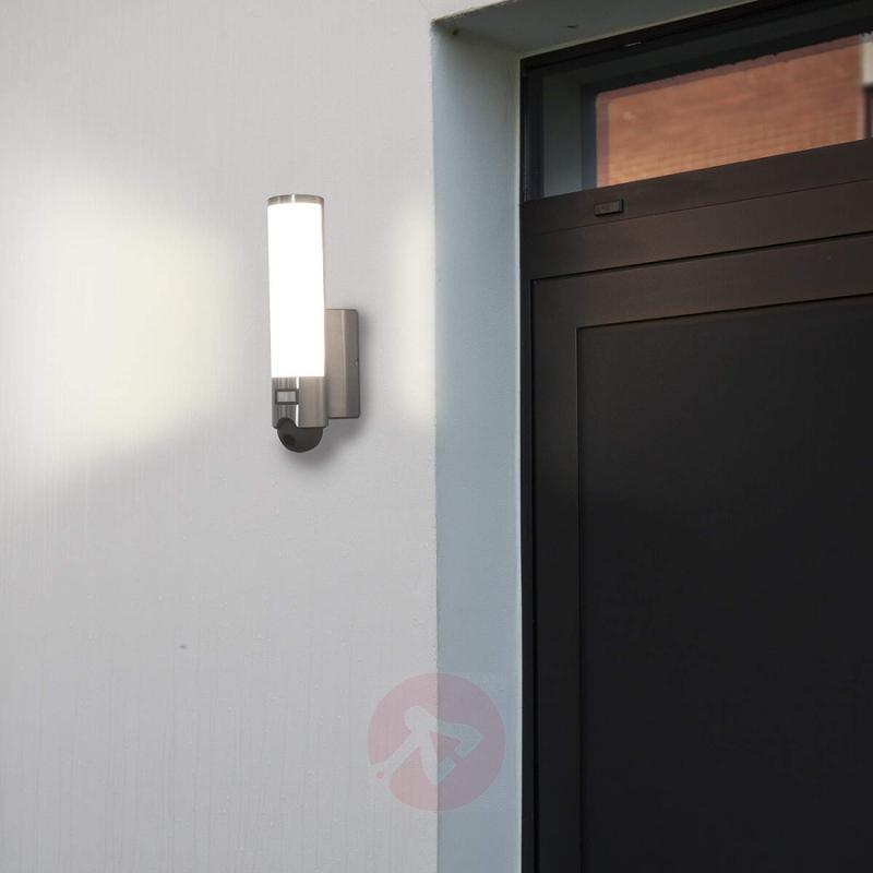 Integrated camera LED outdoor wall lamp Elara Cam