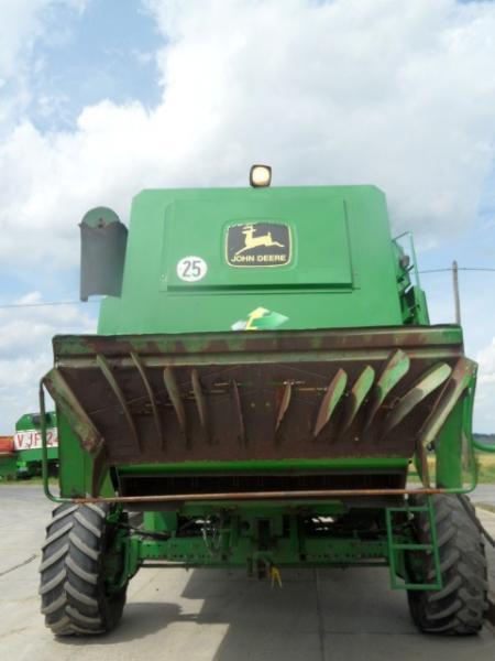 Combine Harvesters - JOHN DEERE 2266E