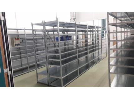 Rayonnage à tablettes - Neuf et Occasion - Adapté aux magasins, garages, locaux industriels...