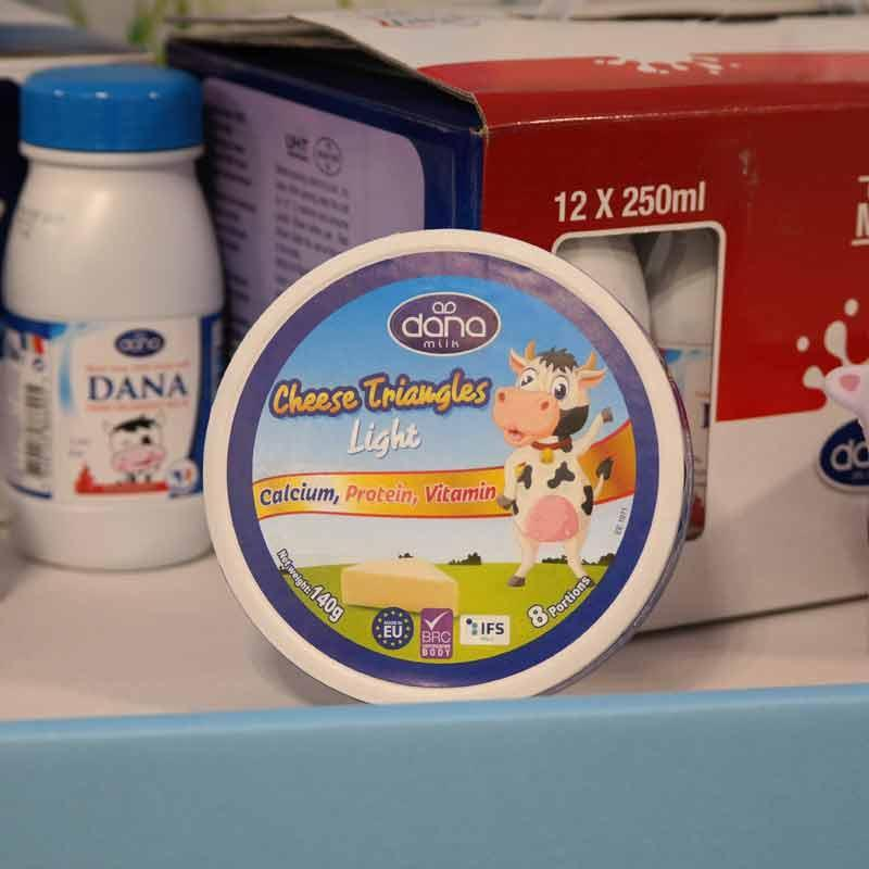 جبنة دانا - الجبن الكريمي الطري المطبوخ المقسم القابل للدهن