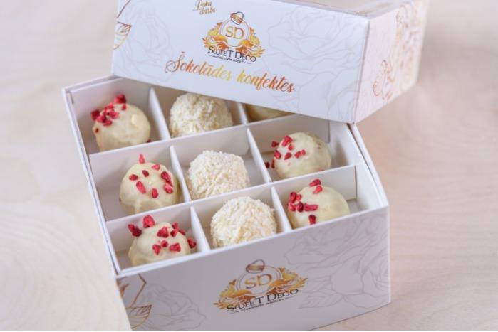 Šokolādes konfektes - 18 pieces, white chocolate with filling,