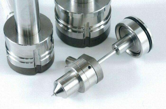Seiki Valve Gate System - Valve Gate nozzles with optional thermo-sealing via separate tip-heater
