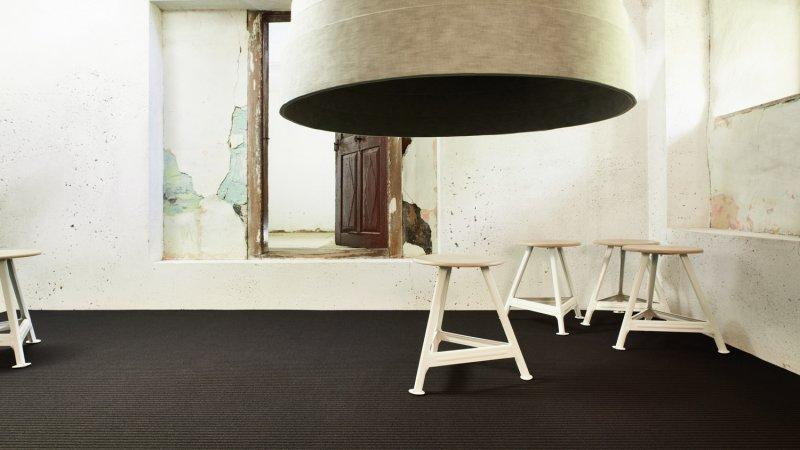 Lotis 900 - Wall-to-wall Carpet - A fascinating symbiosis of high and low level structure.