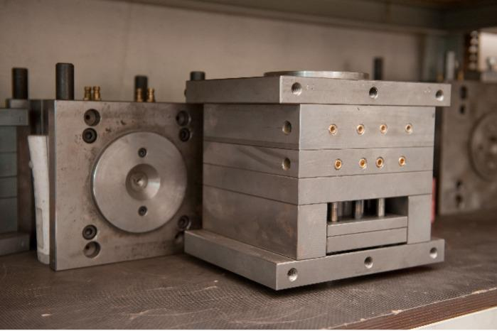 INJECTION MOLD - injection molds manufacturing