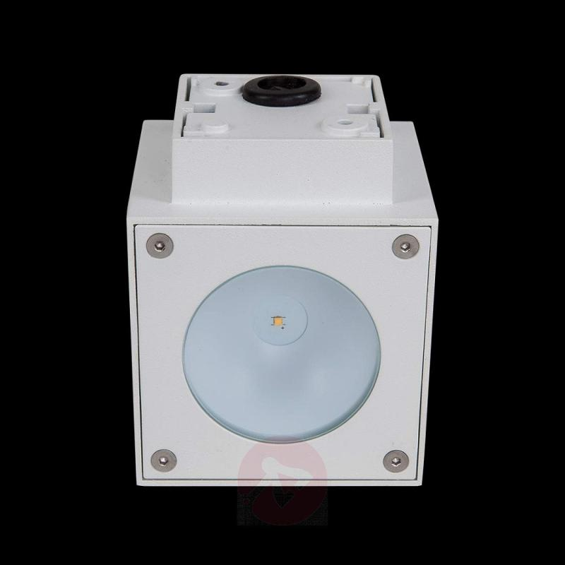 White LED outdoor wall light Jarno, cube form - outdoor-led-lights