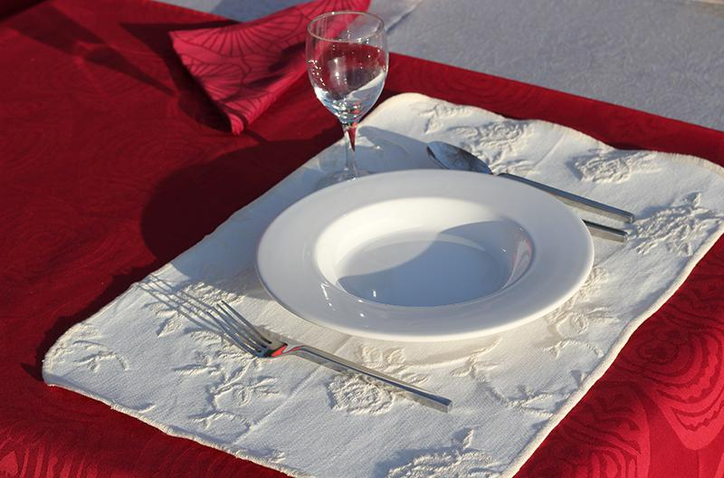 100% cotton jaquard table placemate - null