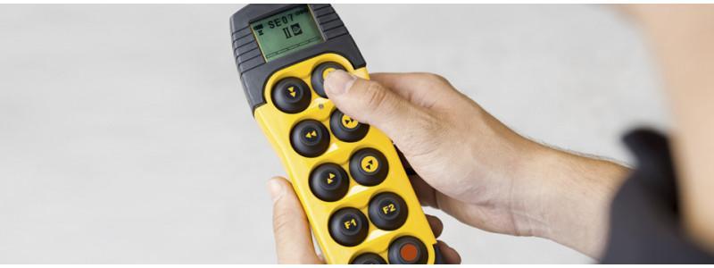 Telemando de radio D3 series - El nuevo mando por radio Demag: el mejor en su clase
