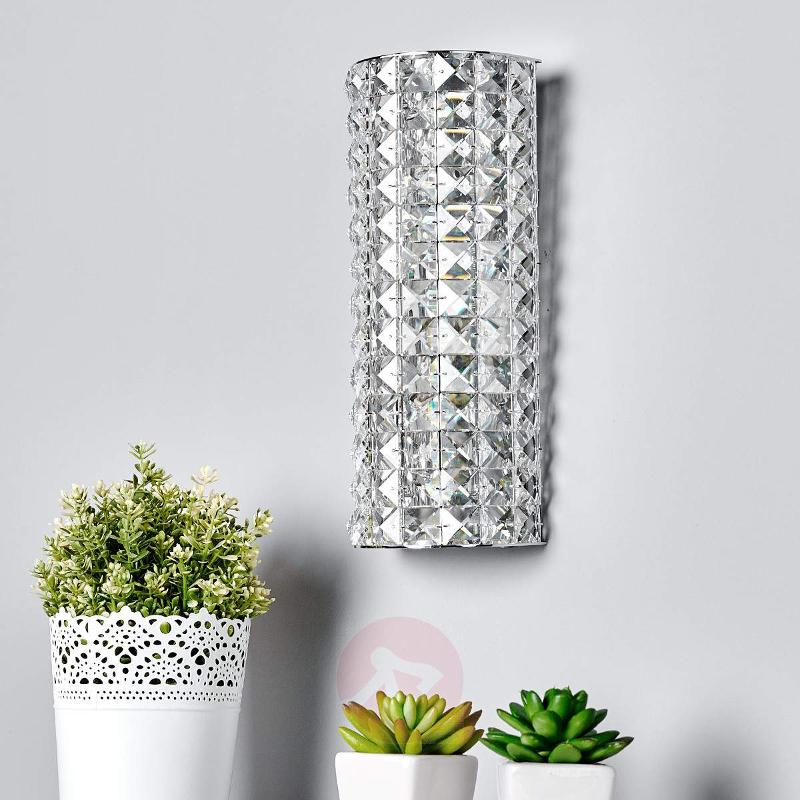 Sparkling Kylian crystal wall lamp