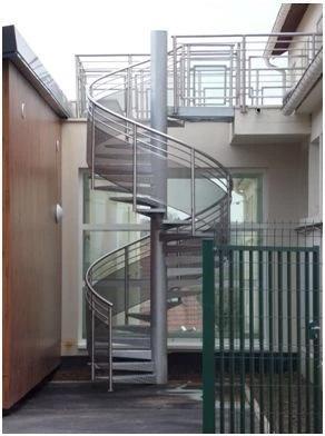 Pose d'escalier aluminuim