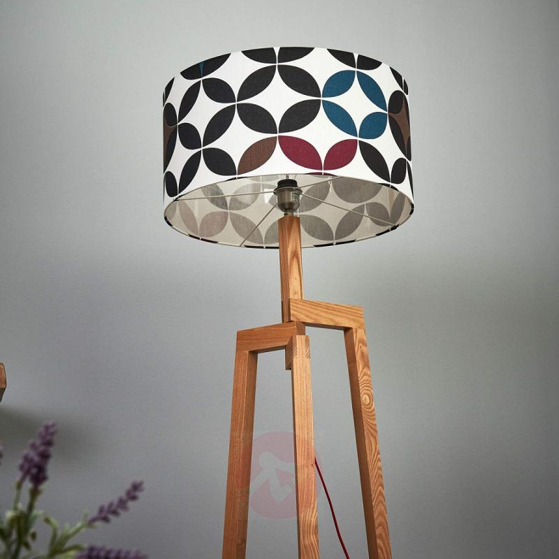 Stylish Aleo floor lamp with patterned lampshade - indoor-lighting