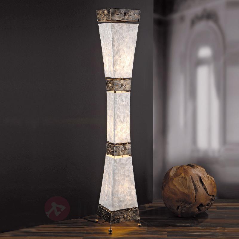 Lampadaire gracieux ABUJA - Lampadaires rustiques