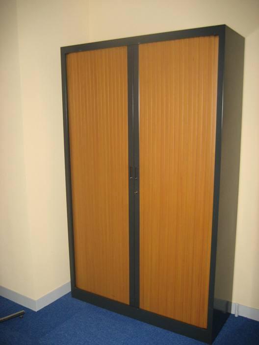 Mobilier de bureau occasion - Armoires, fauteuils, bureaux, vestiaires...