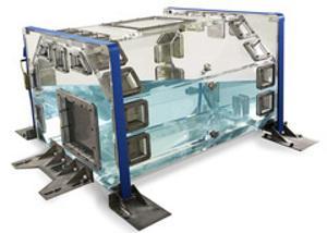 Engtoleriertes Plexiglas®-Modell für Simulationsversuche