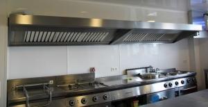 plaques recouvrement murales et plafonds pour cuisines. Black Bedroom Furniture Sets. Home Design Ideas