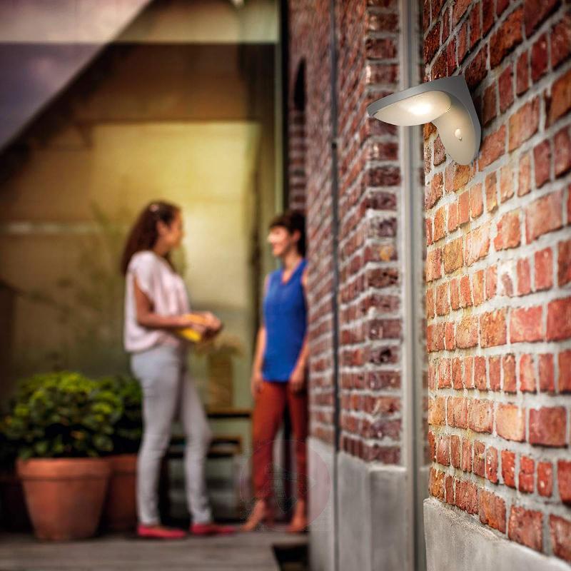 Dusk Solar Outside Wall Light with Motion Detector - Solar Motion Sensor Lights