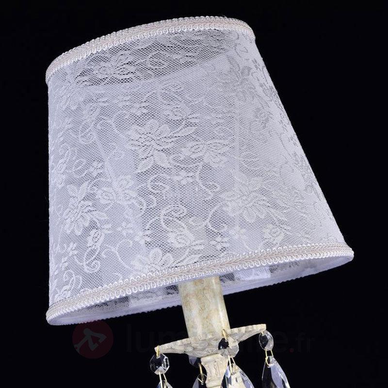Lampe à poser Filomena avec abat-jour en dentelle - Lampes à poser en tissu