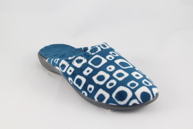 winter slipper for man and woman