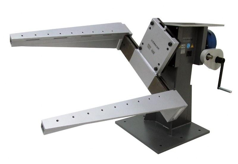 Engine Stand for Heavy Vehicles