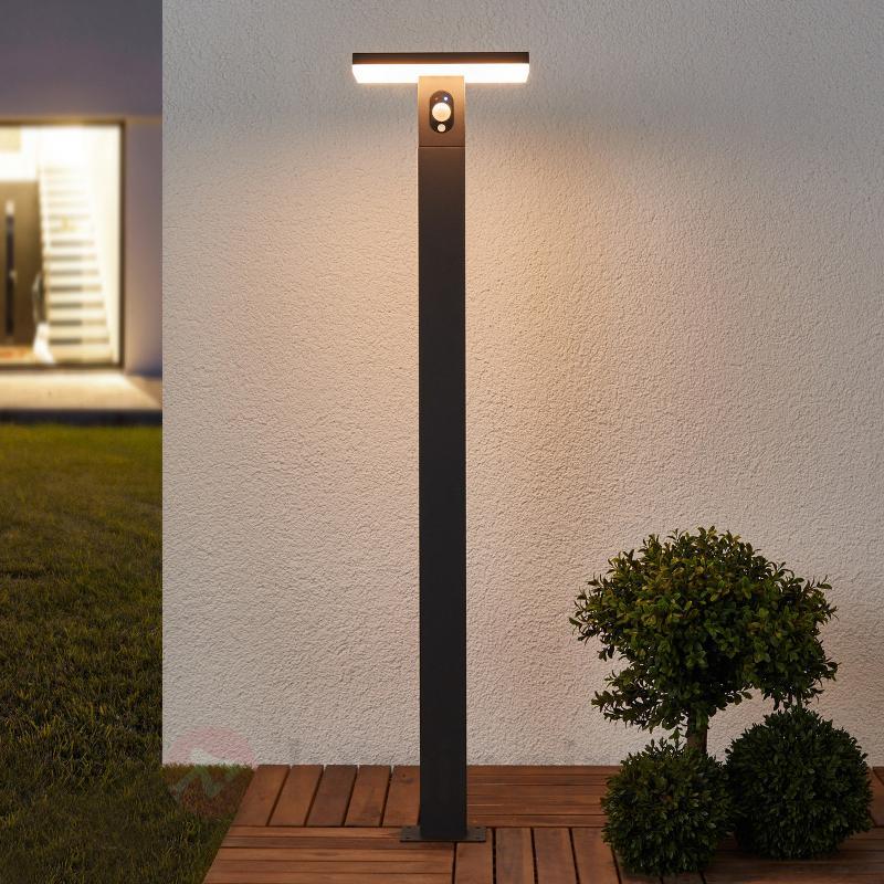 Borne lumineuse LED Josa, panneau solaire+capteur - Lampes solaires avec détecteur