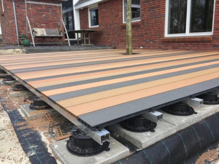 Houtcomposiet terras - Hoogwaardig houtcomposiet terras dat weinig onderhoud behoeft en lang mee gaat.