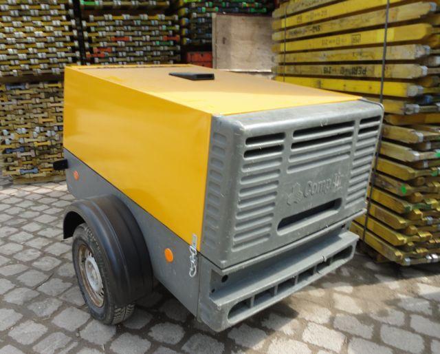 Krane/Baumaschinen - Übersicht - Kompressor 4m³