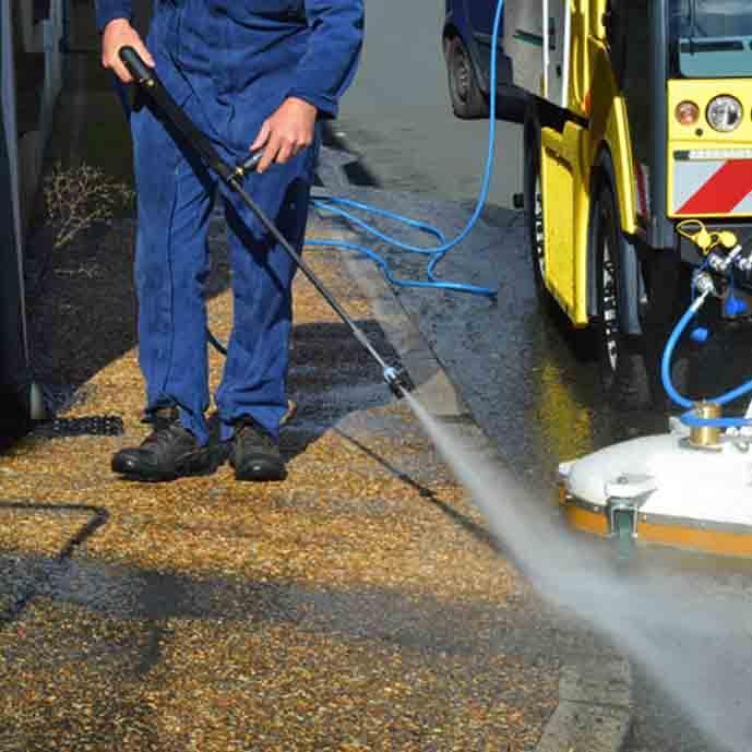 Véhicule Nettoyeur eau chaude avec réaspiration - NC 286R
