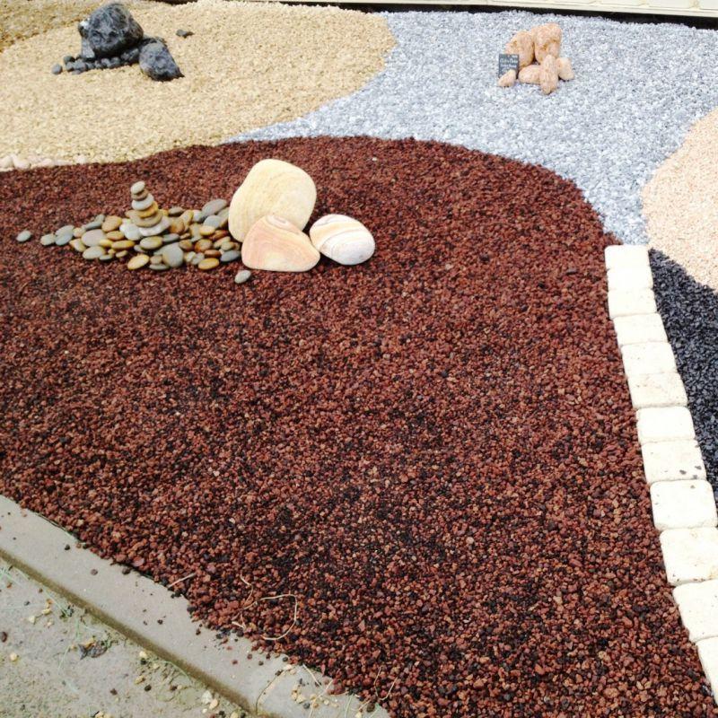 Sac de gravier décoratif - Pouzzolane, rouge roche volcanique au détail