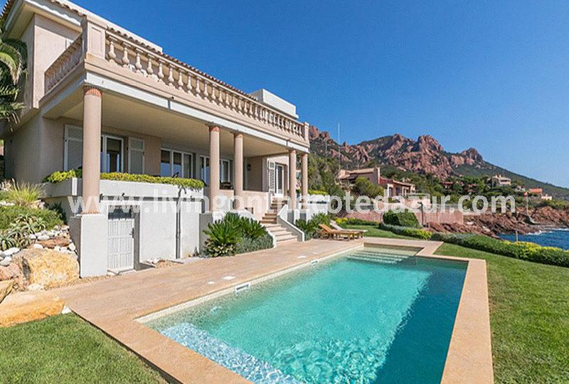Anthéor modern waterfront villa 25 km from Cannes - Real Estate