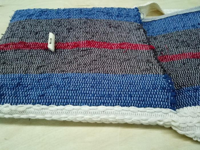 Cross-body handbag - Handwoven rag cross-body bag made of 100% cotton.