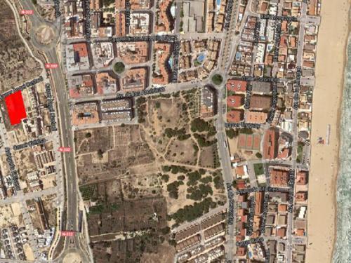 Parcela en Guardamar del Segura (sector ZO-3), con proyectos - terreno especial para construir y promover en la Costa Blanca, España