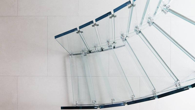 All glass stairs - Fly