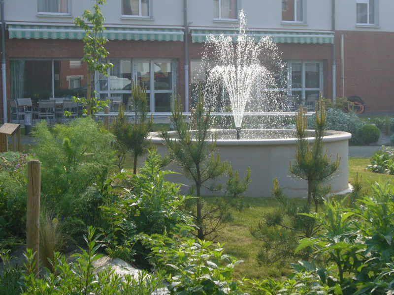 L'eau dans le jardin - Service