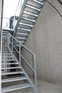 Escaliers métalliques technique - galvanisé garde corps technique