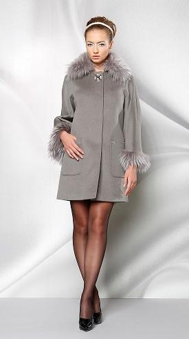 Пальто женское - с натуральным мехом