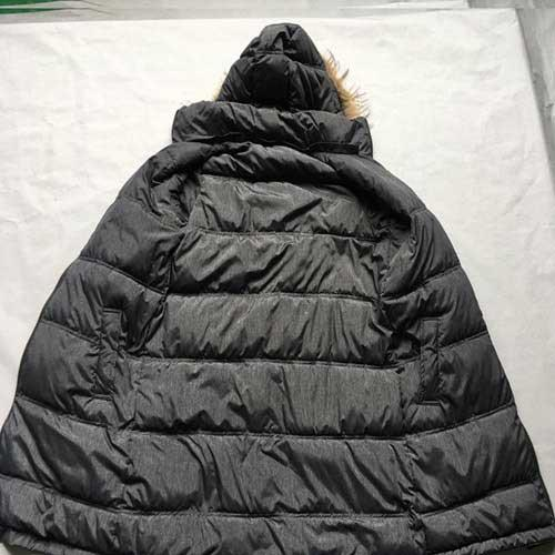 Manteau en bas des femmes -