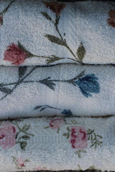 Serviette de bain imprimé floral -