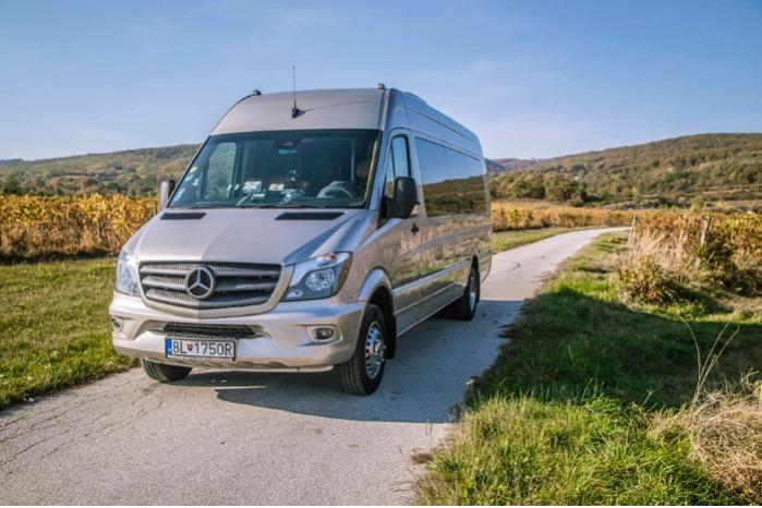 Minibus rental -