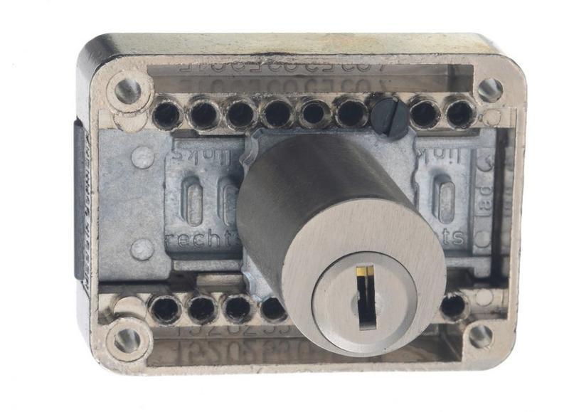 Interchangable cylinder core system - Latch lock