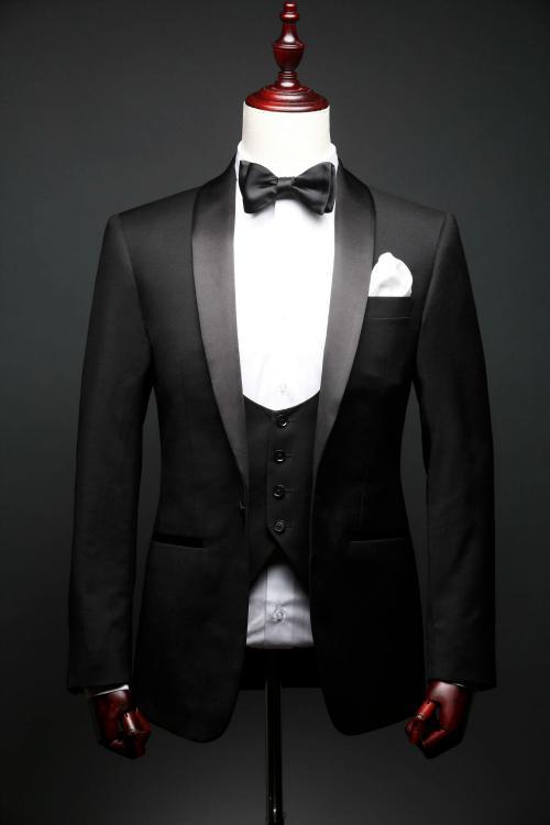 Dress og Smoking laget for dine kunder - Vår spesialitet er Skreddersydd Dress, Smoking, Kjole&Hvitt, Sjakett og Skjorte