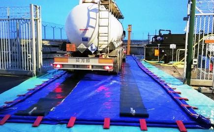 Zone De Décontamination Pour Véhicules Et Matériels - 25000 L - BRSO 25000AUTO-Aires de lavage souples pliables