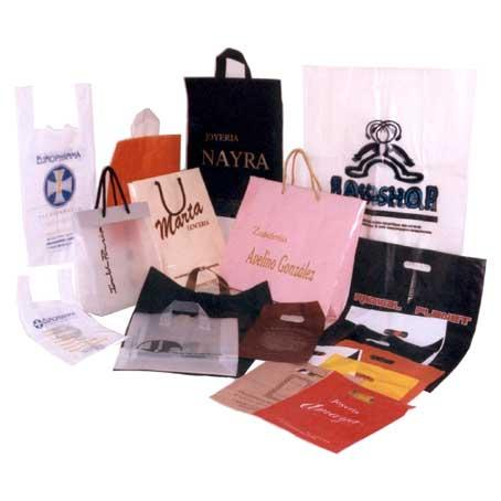 IT MANUFACTURES OF PRINTED BAGS OF PLASTIC AND WITHOUT PRINT